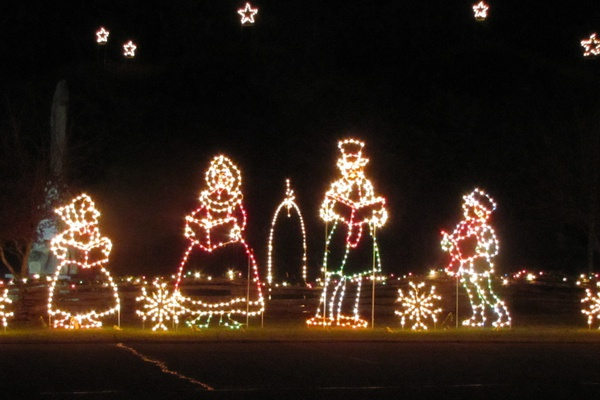 the christmas lights display consist of over 100000 old style light bulbs fashioned into favorite christmas time scenes light display will run from